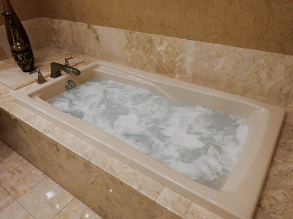 浴槽 ジャグジー