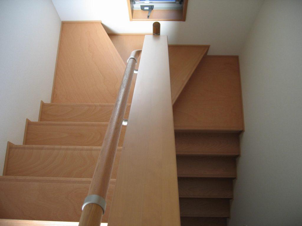 階段 緩やか リフォーム
