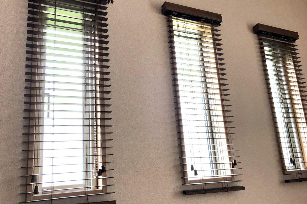 玄関リフォーム スリット窓